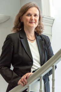 Dr. Andrea Hopp